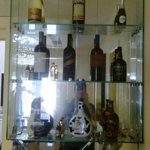 Mosaico-com-barzinho-em-vidro-temperado-2-300x300